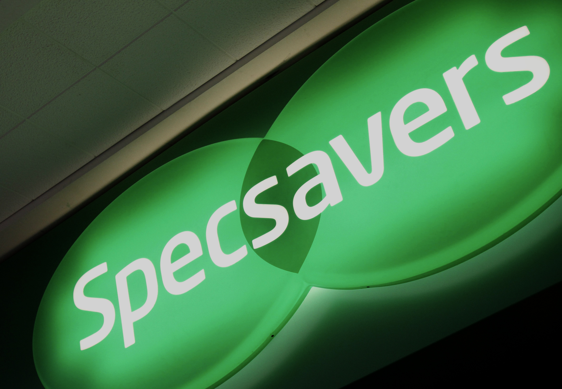 Sir Steve Redgrave joins Specsavers as ambassador